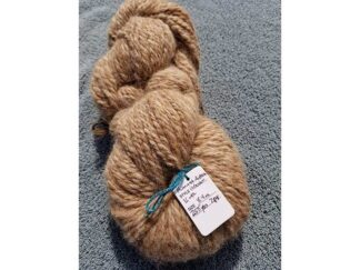 Alpaca yarn - Skein 10 -light tan with touches of golden brown